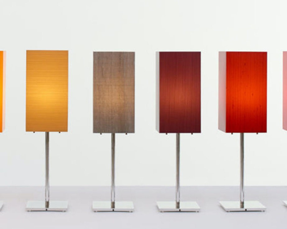 La2 essentials tablelamp grid