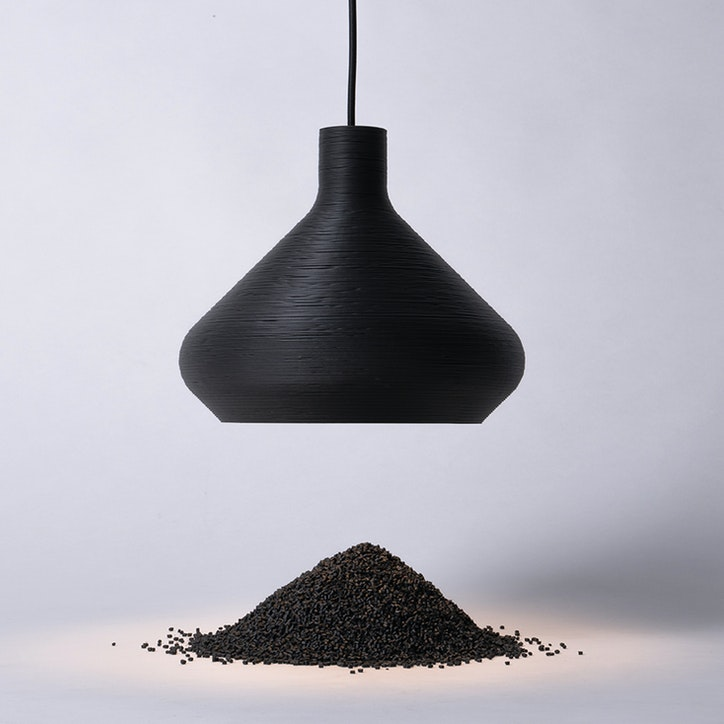 LIGHTART Coil SINGLE BLACK PENDANT 20web cropped